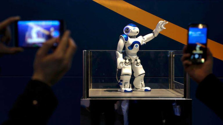 El futuro ya está aquí; trabajar con robots será costumbre social